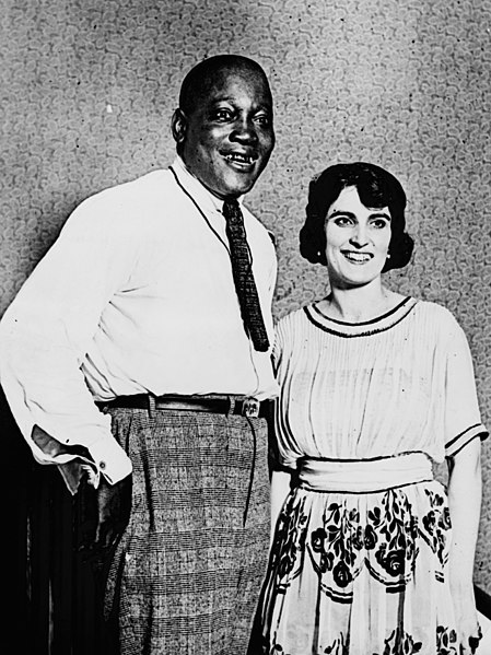 449px-Jack_Johnson_and_wife_Lucille_LCCN98510494_(cropped)